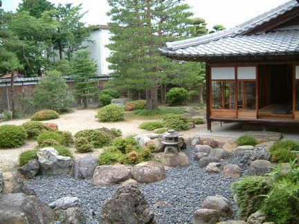 近江日野商人ふるさと館庭園