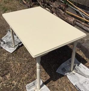 外用テーブルを塗装 (2)