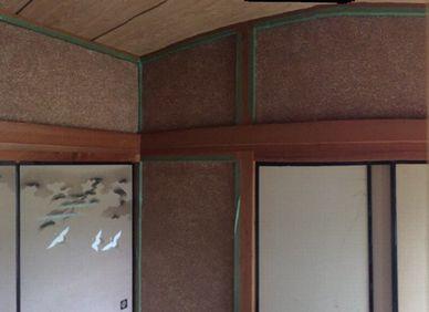 砂壁を漆喰で塗る和室